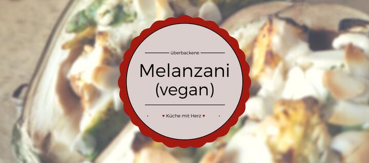 Heute wird es vegan! Wir backen leckere Melanzani und überbacken sie mit Mandelmus. | Finde das Rezept jetzt auf kuechemitherz.com