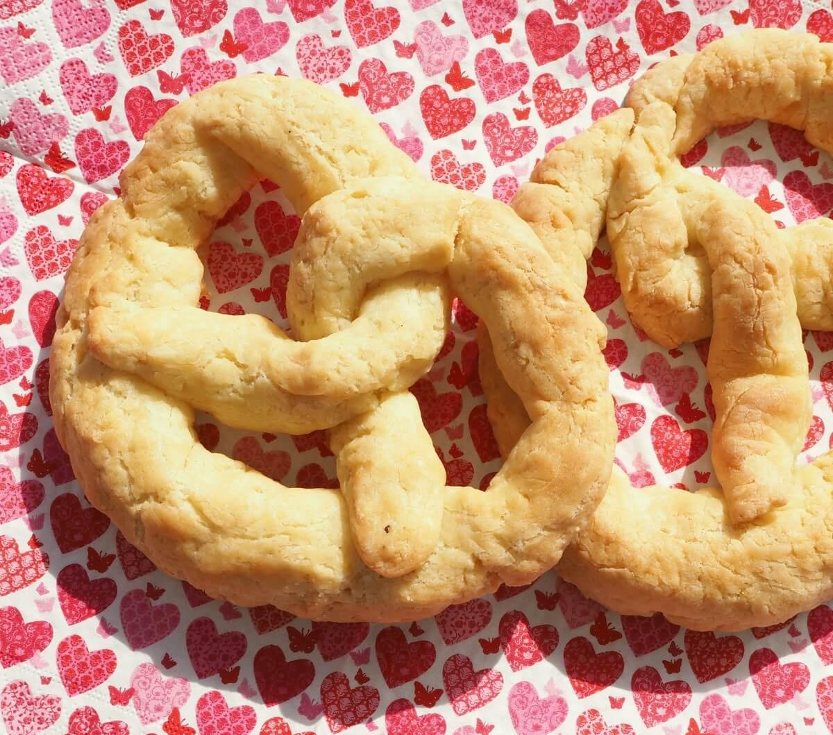 Brezel zum Brezelsonntag oder Bretzelsonndeg glutenfrei und vegan backen Rezept Küche mit Herz